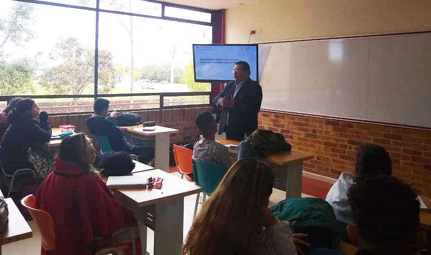 Docentes vallejianos realizan pasantía en Universidad Santo Tomás de Colombia - Diario Digital Chimbote en Línea