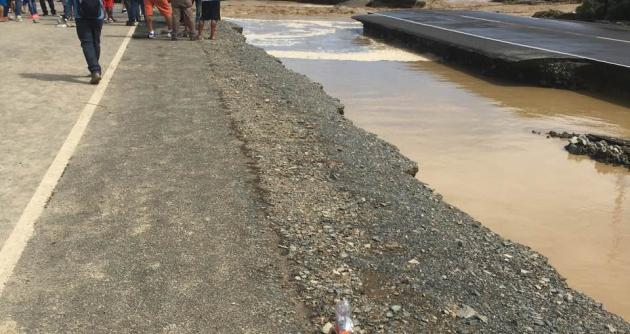 Muertos y evacuados por aludes y desbordes de ríos en Perú